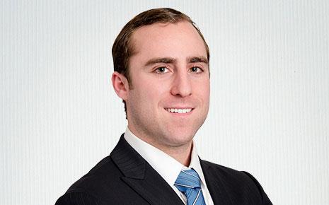 Jason Urdang, Financial Analyst